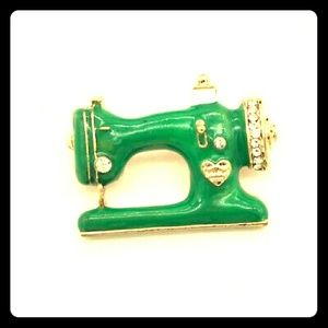✂️📏✏️Green Sewing Machine Brooch ✏️📏✂️